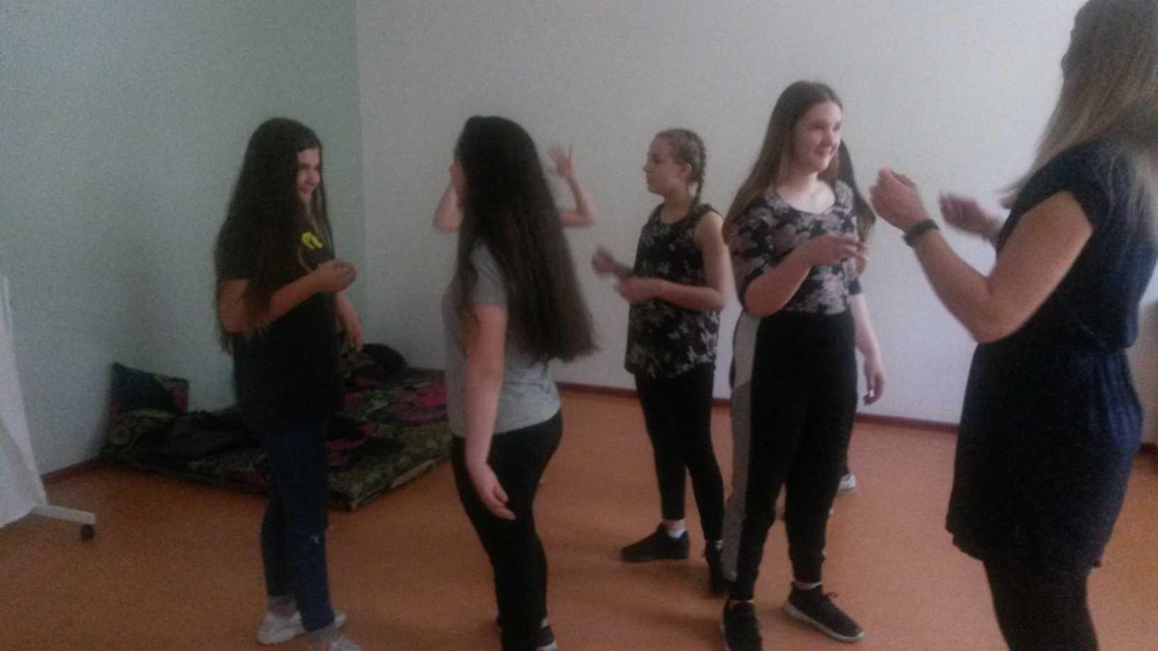 Klettergurt Mädchen : Neustadt ausflug nach geiselwind mädchen klettern hoch hinaus